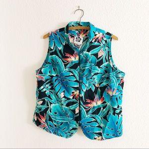 Vintage Hawaiian sleeveless floral blouse vacation